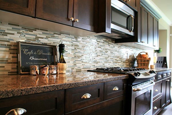 Rock backsplash for kitchen 2012