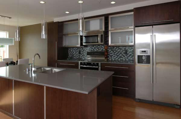 Stainless steel backsplash tile design