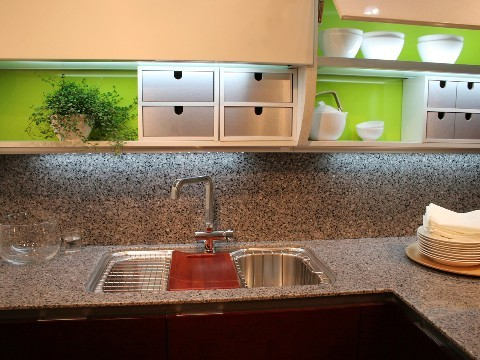 Granite kitchen backsplash picture