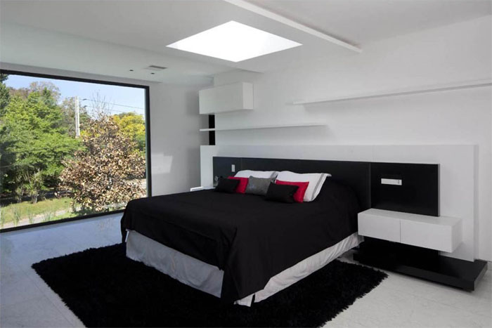 Black bedroom design ideas