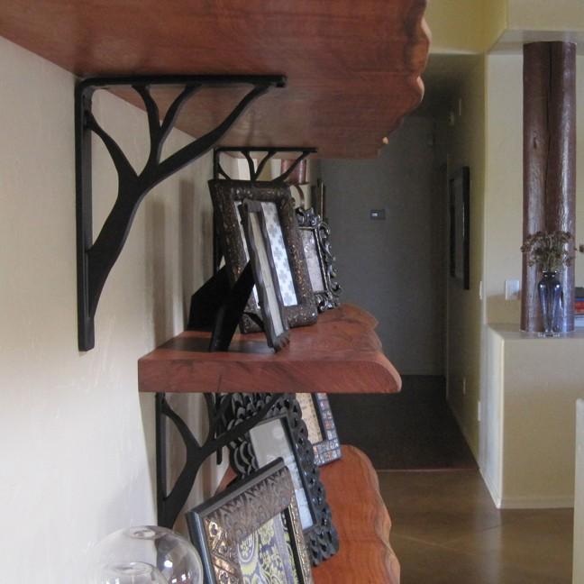 Decorative shelf brackets iron