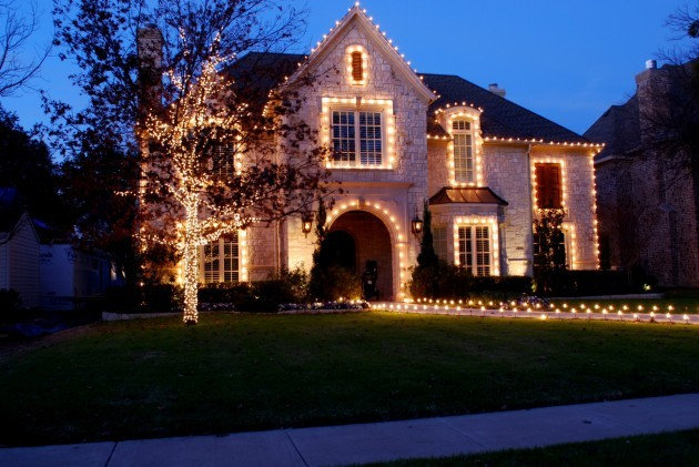 Christmas Outdoor Lighting Ideas | Interior Decorating Tips