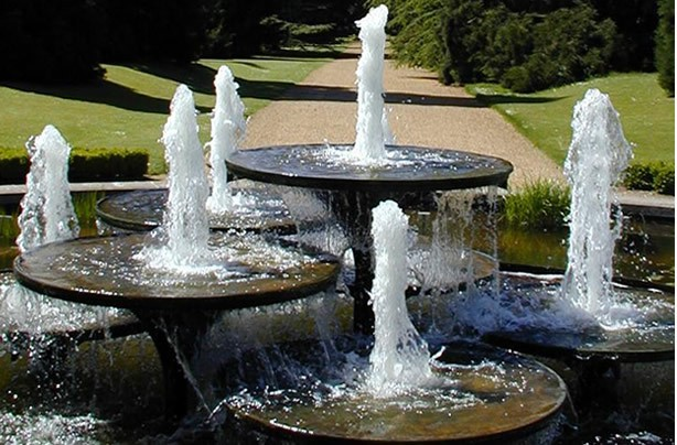 Outdoor water fountains modern