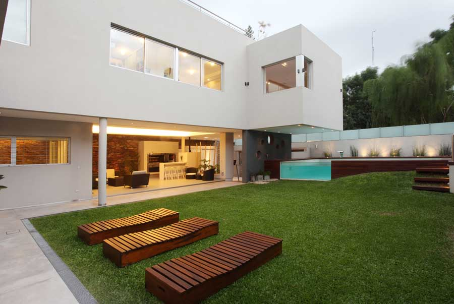 Modern cool backyards design