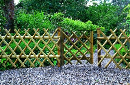 Garden fence design ideas
