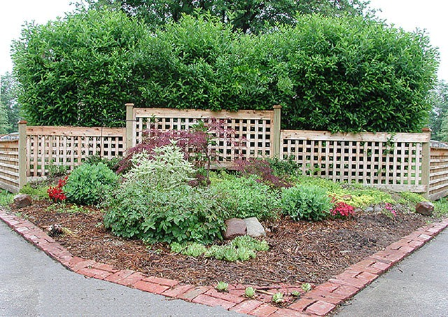 Garden fence design photos