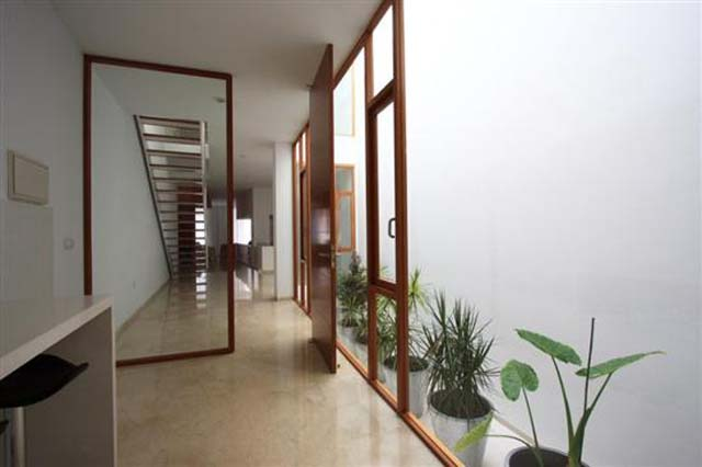 Minimalist wardrobe design decor